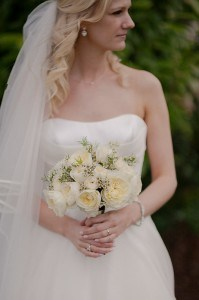 romantic wedding flowers. cream garden style rose bouquet