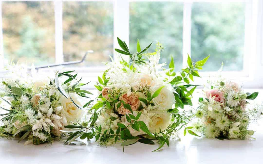 Wedding Florist Hampshire – When Should I book my Hampshire Wedding Flowers?