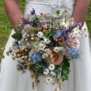 Hampshire Wedding Florist – 5 Reasons to choose Seasonal Wedding Flowers