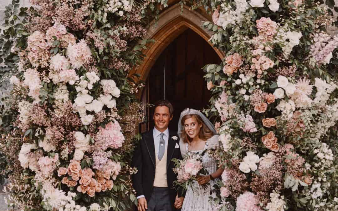Hampshire Luxury Wedding flowers – 5 Ways to be inspired by a Royal Wedding Floral Arch