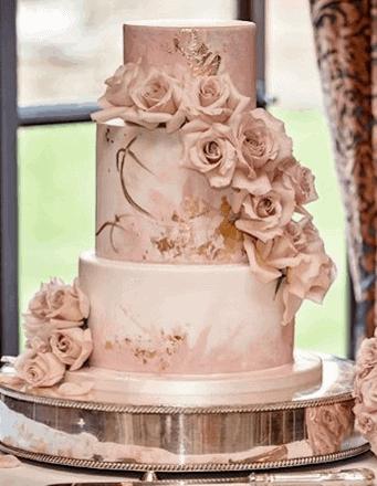 Tartufi wedding cake and flowers