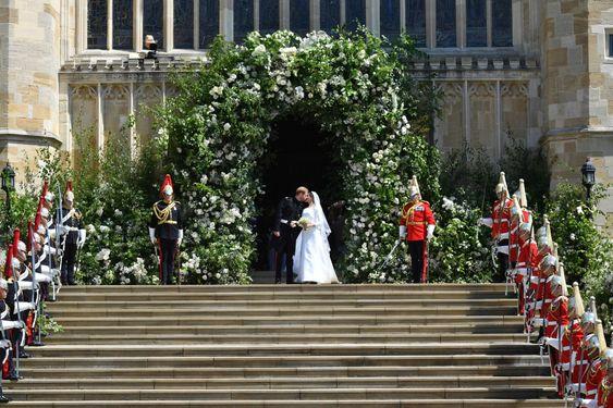 Harry & Megan wedding day floral arch