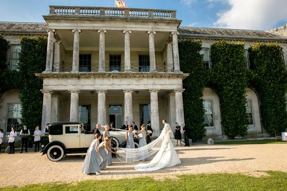 hampshire wedding florist also provides flowers for Goodwood House Weddings