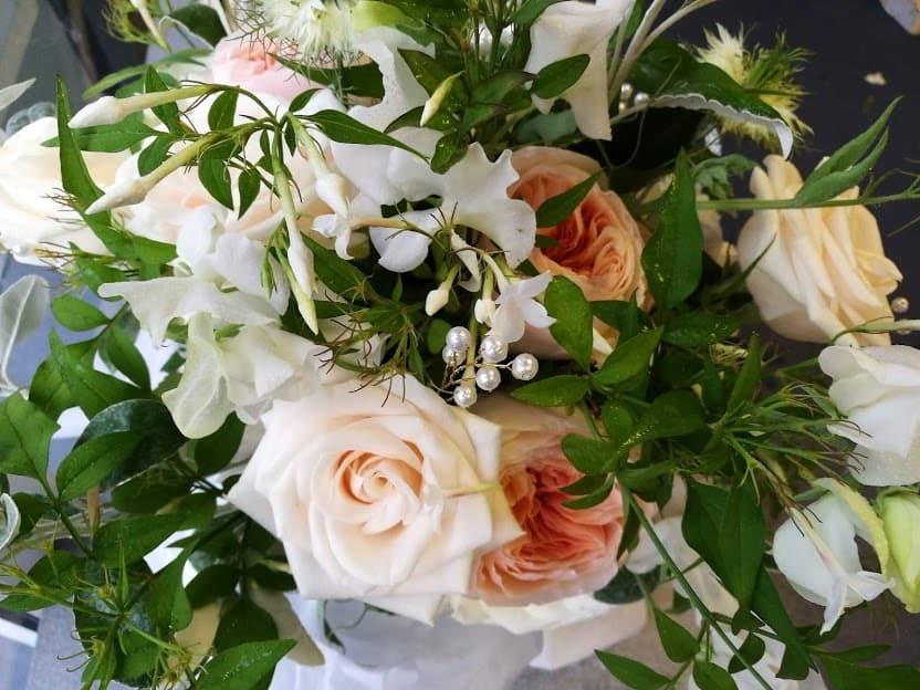 peach blush wedding bouquet