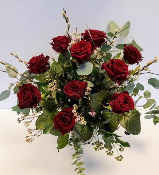 classic Valentines flowers,12x Red Roses, mixed foliage bouquet