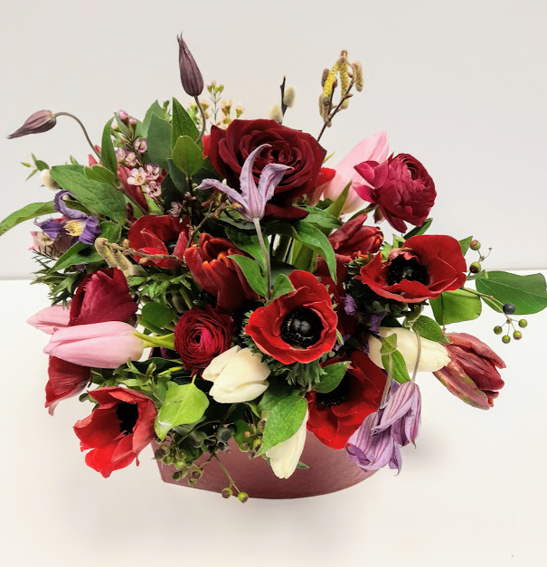 Hampshire Florist – How to select and order locally delivered Valentines Flowers