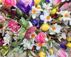 Springtime wedding in April flowers